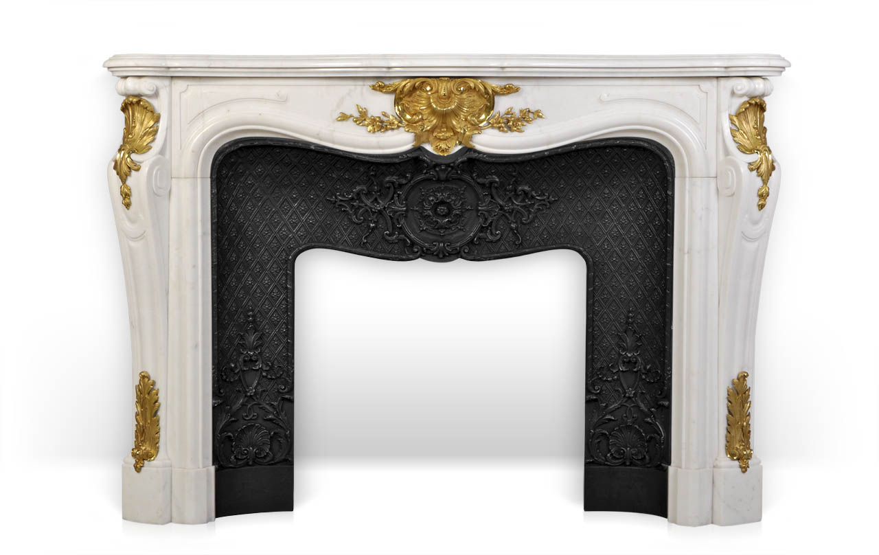 Païva is a superb custom made marble fireplace of Louis XV style with gilded bronze ornaments.